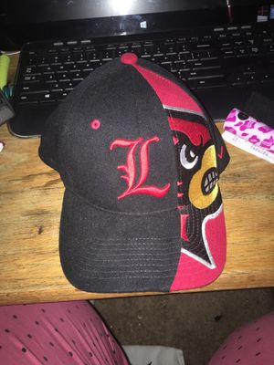 Louisville Cardinal hat licensed m/l for Sale in Marietta, OH