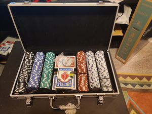 300 Clay Poker Chips \w case for Sale in Waltham, MA