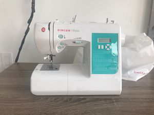 SINGER STYLIST SEWING MACHINE $100 for Sale in New York, NY