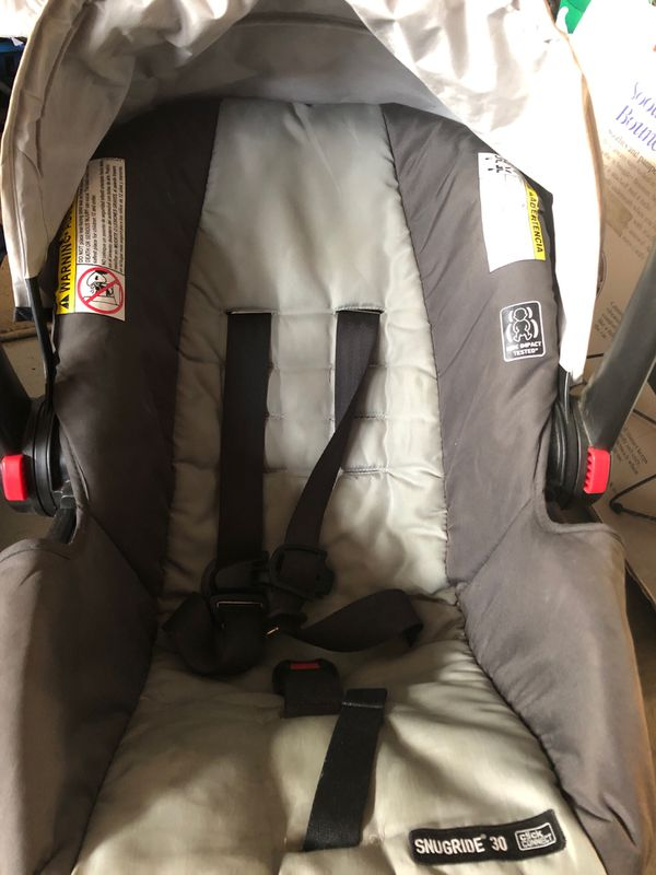 Snug ride Graco 30 click connect car seat