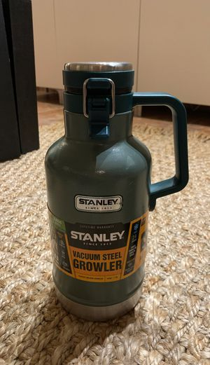Stanley Vacuum Steel Growler 64 oz - camping - water bottle for Sale in Miami, FL
