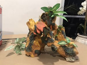 Fish tank decoration for Sale in Brooklyn, NY