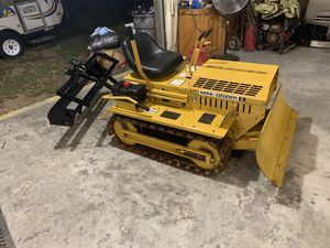 Like new 2005 mini dozer low hours !! for Sale in Loganville, GA
