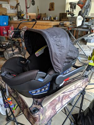 Britax Baby/ infant car seat for Sale in Waukegan, IL