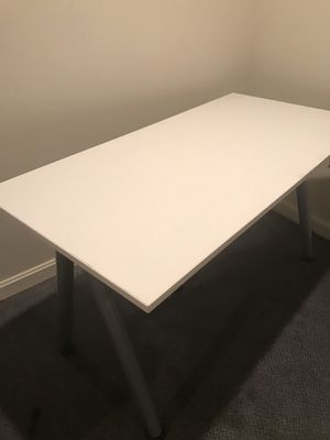 White IKEA Desk—With Adjustable legs for Sale in Wheaton, MD
