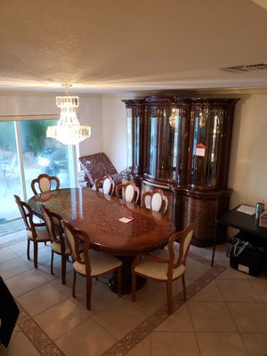 Kitchen Dining Room Table China Cabinet for Sale in Fort Lauderdale, FL