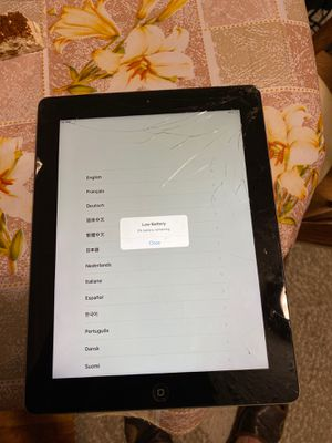 Ipad 3 16gb for parts for Sale in Brooklyn, NY