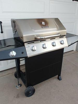 Char-Broil grill / asador for Sale in Glendale, AZ