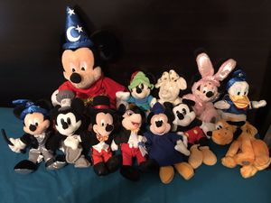 Mickey Mouse and friends stuffed animals for Sale in Orlando, FL
