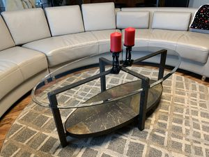 """Oval coffee table !!! 19"""" H 29"""" W 52"""" L for Sale in Vancouver, WA"""