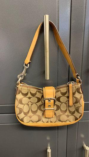 Coach small buckle handbag for Sale in San Diego, CA
