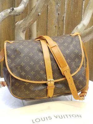 Lovely Louis Vuitton Messenger mail saddle bag for Sale in Arlington, TX