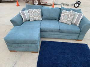 Can deliver - reversible blue sectional couch sofa and rug for Sale in Burleson, TX