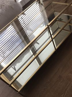 Gold Mirrored Coffee Table for Sale in Vancouver,  WA