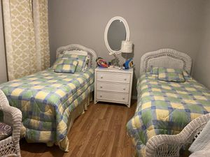 Twins bedroom set for Sale in Boca Raton, FL
