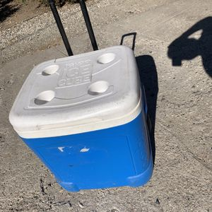 Large Free Cooler With Lost Plug for Sale in Culver City, CA