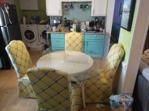 Kitchen table and 4 chairs for Sale in Emerald Isle, NC