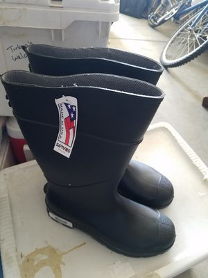 New Rain Mucking Boots SERVUS Mens Size 12 New with Tags Give as Gift Price is Firm for Sale in Oak Hills, CA