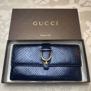 Gucci Python Wallet / Clutch for Sale in Great Neck, NY