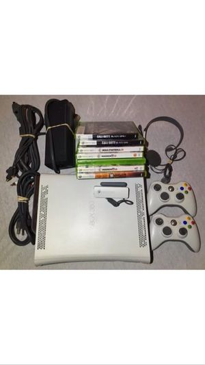 Xbox 360 set for Sale in Caledonia, MI