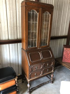 Antique 2 Piece Vintage 1930's-40's Era Drop Top Desk With Upper China Display Hutch. for Sale in Punta Gorda, FL