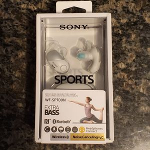 Sony WF-SP700N Noise Cancelling True Wireless Extra Bass Earbuds for Sale in Tucson, AZ