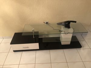 Modern style tv stand with single drawer for Sale in Hialeah, FL