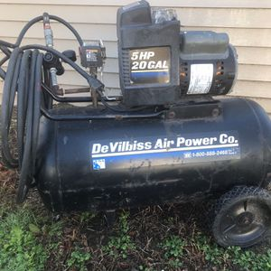 20 gal Air Compressor $200 for Sale in Massapequa, NY