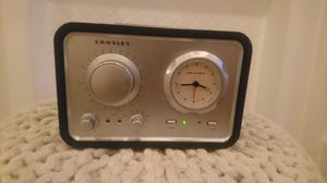 Crosley Vintage Radio with iPhone Charger for Sale in Los Angeles, CA