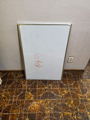 White board for Sale in Bellevue, WA