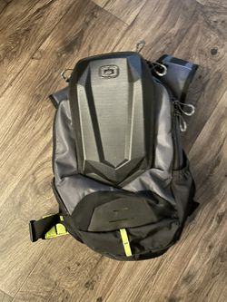OGIO Insulated Hydration Backpack 100oz for Sale in Tempe,  AZ