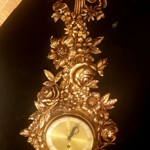 Vintage Syroco Gilded Carved Wall Clock 8 Day/Jeweled Syroco Wood Co USA for Sale in Henderson, NV