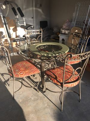 Breakfast Table & Chairs for Sale in Corinth, TX