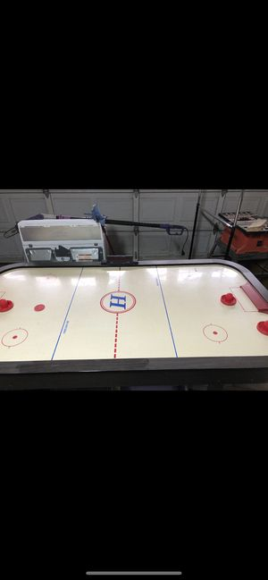 Working Air hockey table for Sale in Fresno, CA