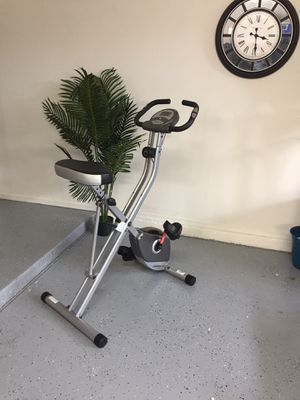 New Exerpeutic upright exercise bike up to 300lb for Sale in Peoria, AZ