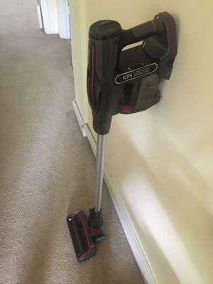 SHARK ION ULTRA LIGHT CORDLESS VACUUM for Sale in Bethesda, MD
