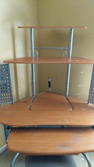 Corner desk for Sale in Orlando, FL
