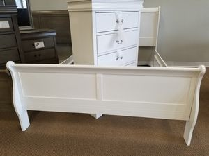 NEW! Louis Philippe Queen Bedroom Set - White (Available in all sizes, 5 colors to choose from) for Sale in Clayton, NC