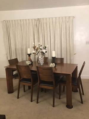 Modern Minimalistic Dining Table 6 Chairs for Sale in Norwalk, CA
