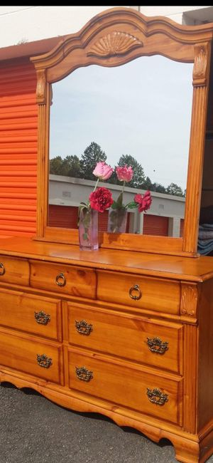 SOLID WOOD LONG DRESSER WITH BIG MIRROR AND BIG DRAWER DRAWER WORKING WELL GREAT CONDITION for Sale in Fairfax, VA