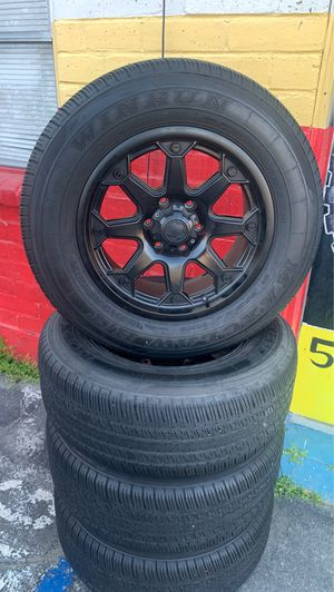 """(4) 18""""Black wheels And Tires For Sale 6x139.7 ♨️18x9👍Great condition for Sale in Fresno, CA"""