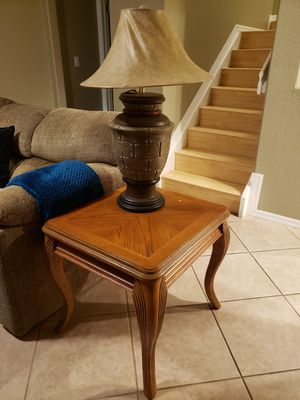 Center table set/ coffee table set with 2 lamps free for Sale in Pompano Beach, FL