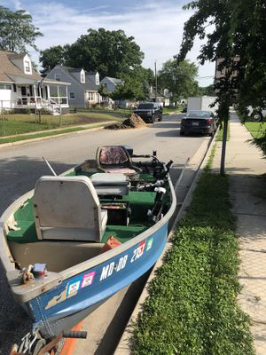 12 ft John v boat for Sale in Baltimore, MD