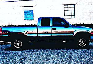 ֆ12OO 4WD Chevrolet Silverado 4WD for Sale in El Paso, IL