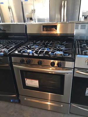 New Frigidaire stainless steel gas stove 6 months warranty for Sale in Halethorpe, MD