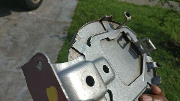 Gas lid, Mazda 3 06