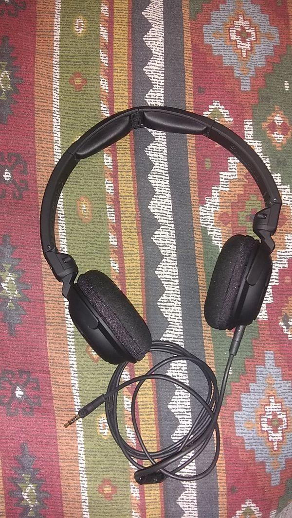 Skull Candy lowrider headphones