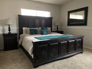 EASTERN KING BEDROOM SET w MATTRESS!!! for Sale in Lake View Terrace, CA