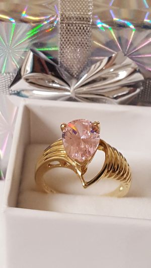 Gorgeous Vintage Ring, 10k Real gold, Mystic Pink Topaz, solid Ring, 3.35grs, Size 6, Never used. for Sale in Covington, KY
