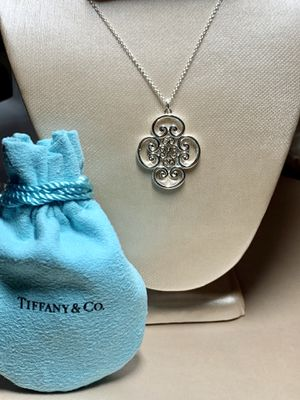 Tiffany & Co Venezia Goldoni Quadruplo for Sale in Brooklyn, NY